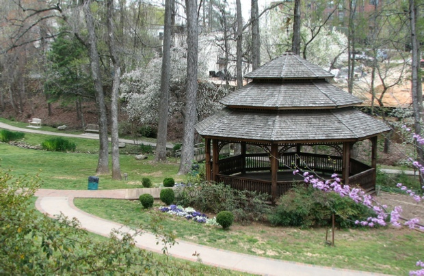 Picture of the gazebo at Williams-Payne house.